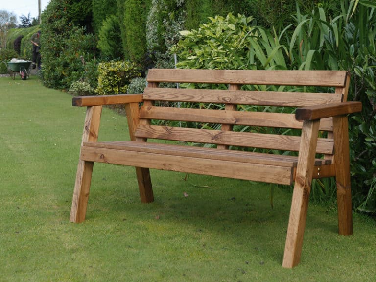 Where Should a Garden Bench Be Placed? (3 Perfect Positions)
